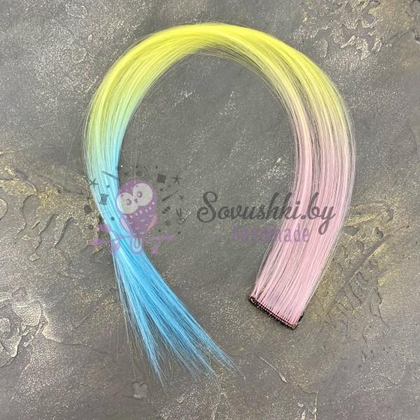 Прядь волос на заколке трехцветная №19