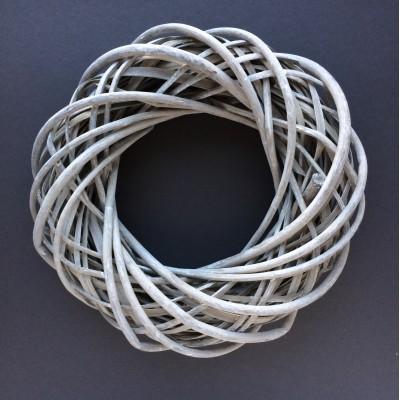 Венок плетеный из лозы D=25, серый